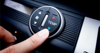 Oferta de recarga de aire acondicionado para el coche